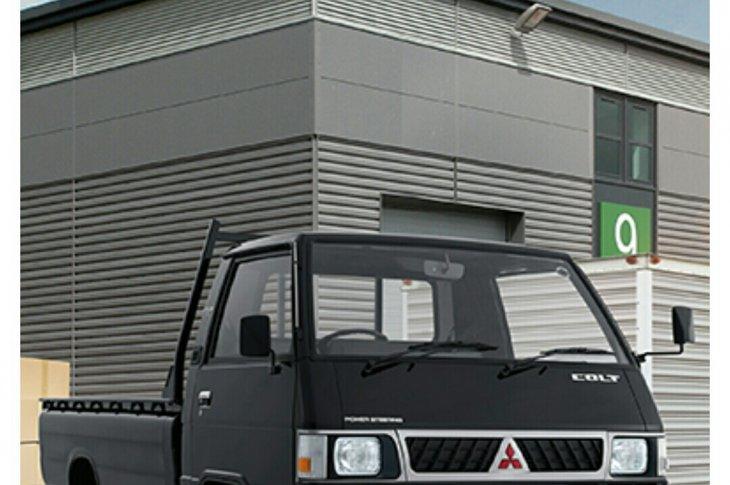 Kredit Mitsubishi Colt L300